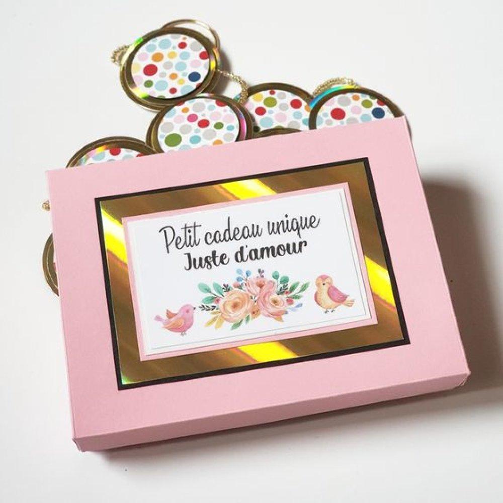 Guirlande papier plate et sa petite boite rose