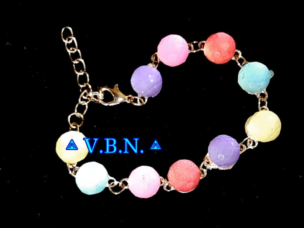Bracelet or avec cabochon multicouleur