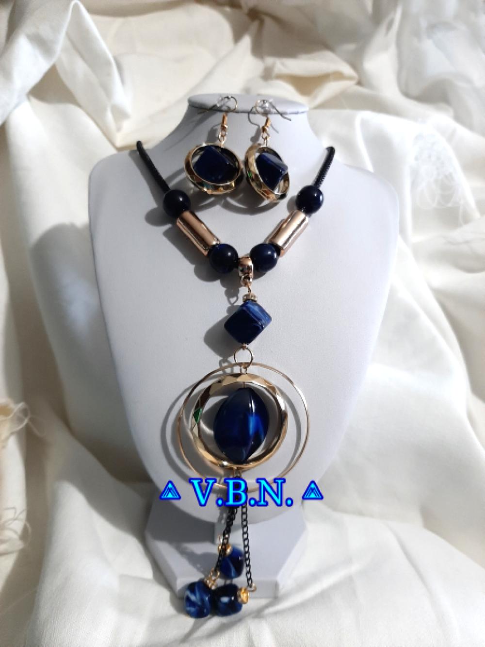 Parure grosses perles acrylique couleur bleu