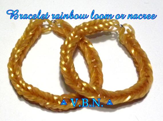 Bracelet fait avec des élastiques raimbow loom fait main couleur or nacree
