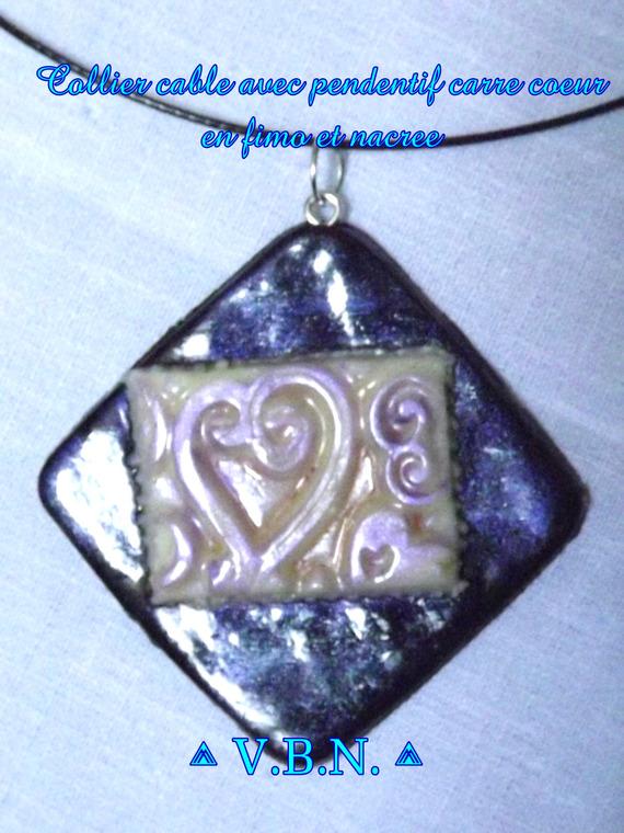 Collier cable noir avec pendentif carre noir et blanc avec dessin coeur en fimo et nacree