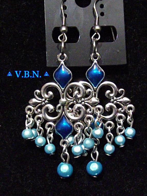 Parure orientale longue bleu avec perles magiques turquoises