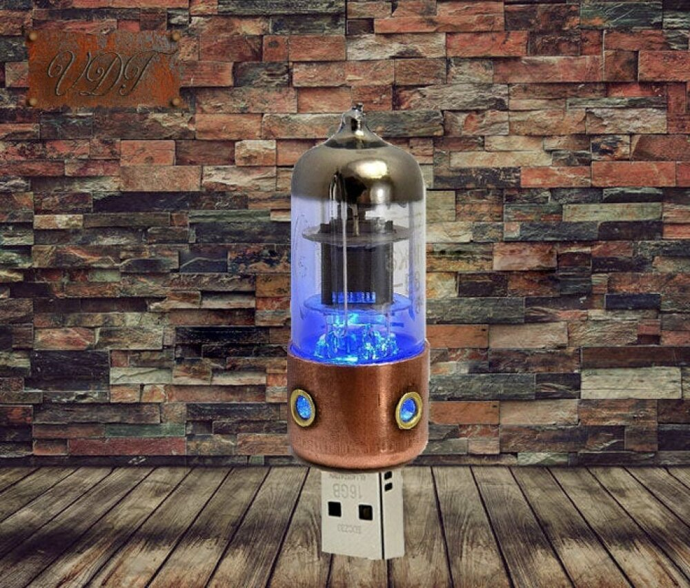 Cle USB 3.0 Steampunk Tube a electron 32 Gbits