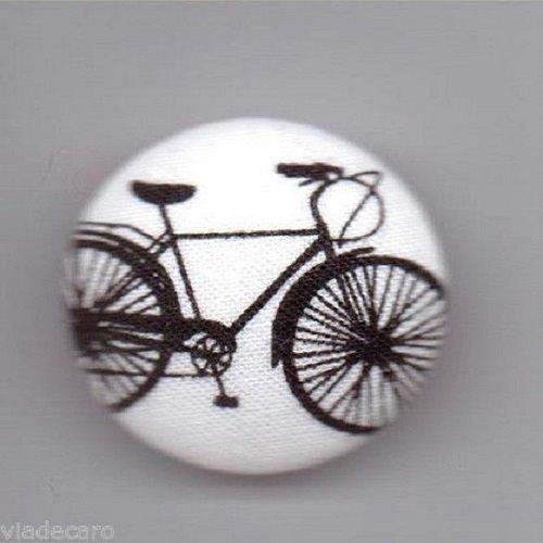 1 bouton recouvertde tissu****velo*** 32mm