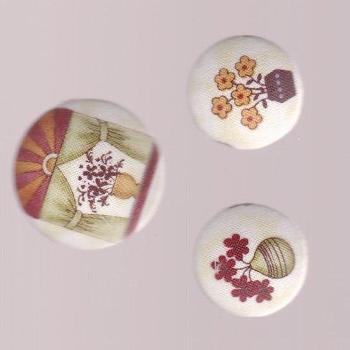 3 boutons  recouverts de tissu