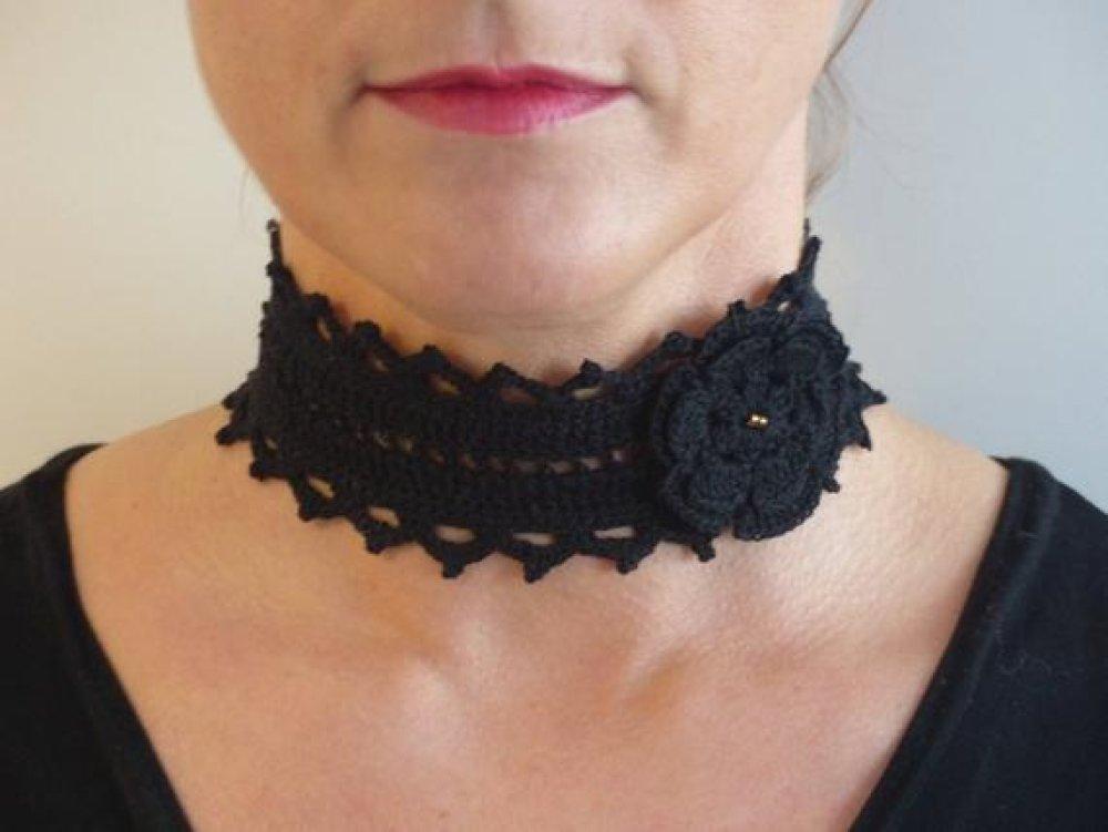 Collier Choker Gothique Coton Noir au Crochet