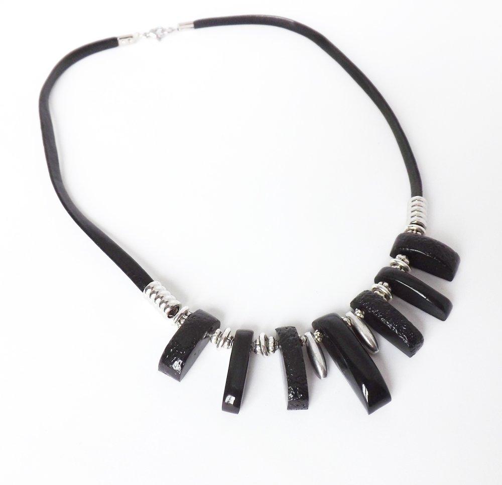 Collier noir et argent moderne fabrication artisanale