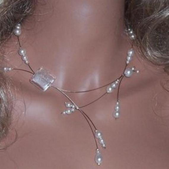 Collier mariage, collier blanc cristal ,  collier cérémonie, soirée, collier pas cher