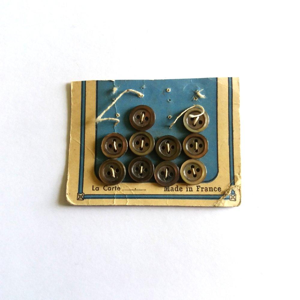 10 boutons en nacre gris - ancien - 9mm - 102MP