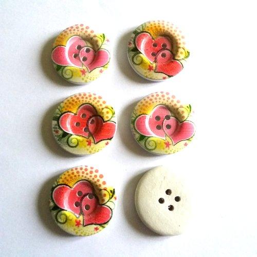 6 boutons fantaisies en bois avec des coeurs rose jaune et vert  - 30mm