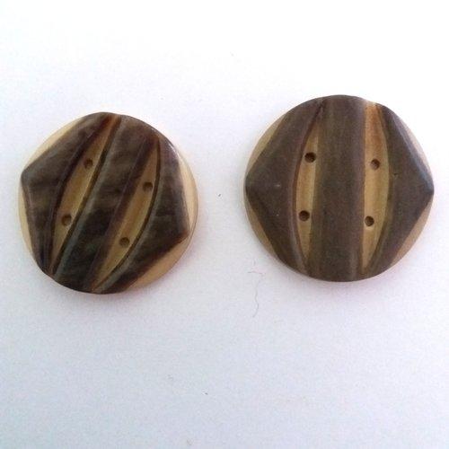 2 boutons en résine beige foncé et marron - art deco - ancien - 31mm - 497mp
