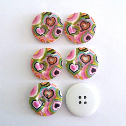 6 boutons fantaisies en bois avec coeurs rose - 30mm