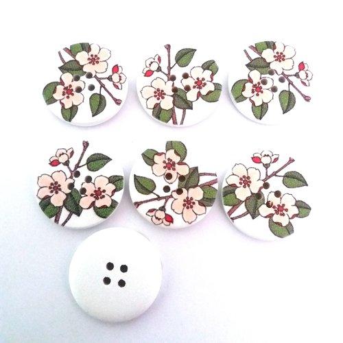 7 boutons fantaisies en bois fond blanc feuille verte et fleur crème - 30mm