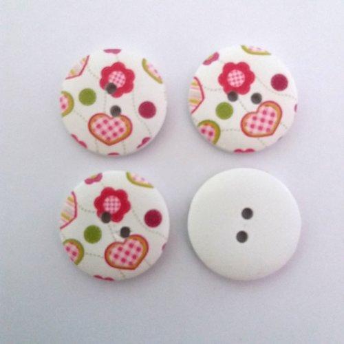 4 boutons fantaisies en bois fond blanc coeur rouge et rose - 30mm