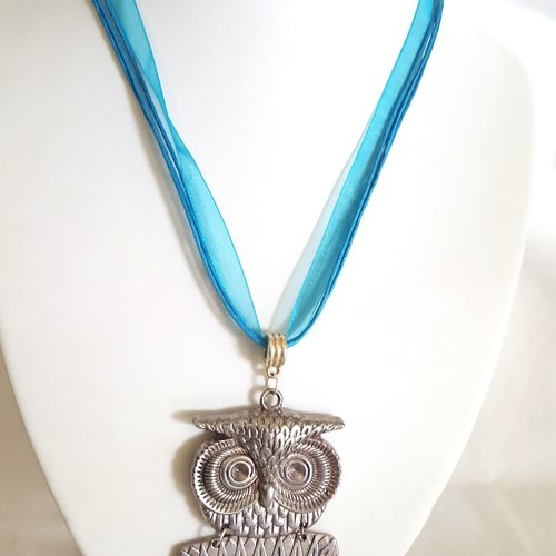 1 collier en coton et organza bleu - 46cm