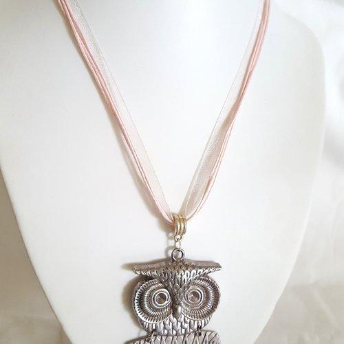 1 collier en coton et organza rose - 46cm