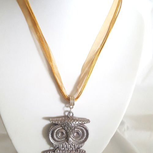 1 collier en coton et organza ocre - 46cm