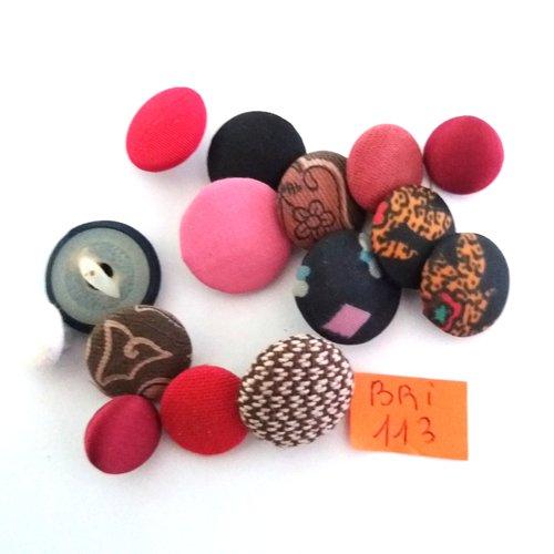 15 boutons en tissu multcolore - ancien - entre 10mm et 18mm - bri113