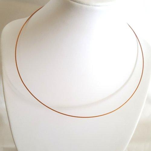 1 collier tour de cou rigide marron orangé