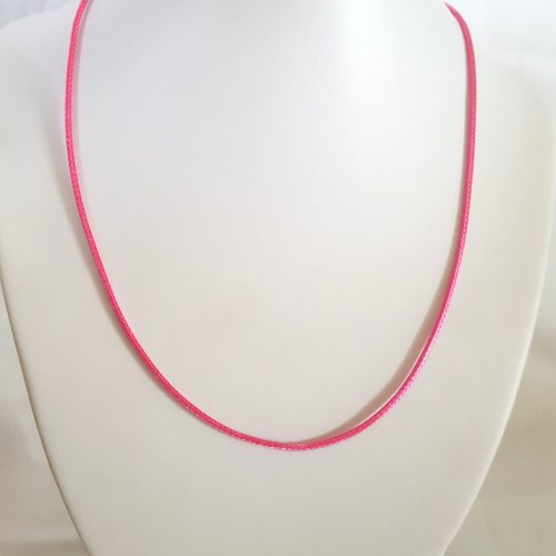 1 collier en coton ciré rose bonbon - 45cm