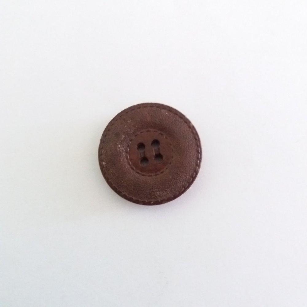 1 bouton en résine marron - ancien - 31mm - 552MP