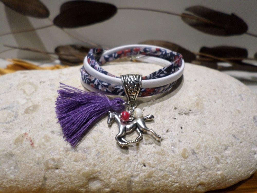 bracelet fille enfant - cheval liberty fleuri mauve et bleu marine cuir blanc pompon violet - bijou idée cadeau