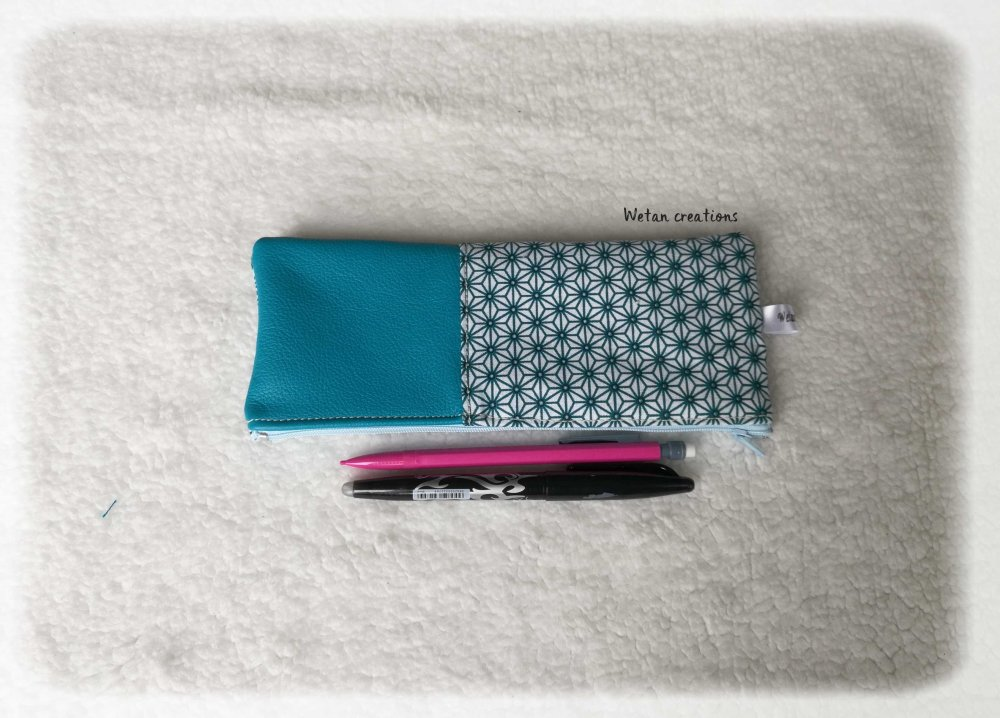 Trousse cuir, trousse d'école en cuir véritable turquoise et coton - motifs japonais Asanoha turquoise et blanc