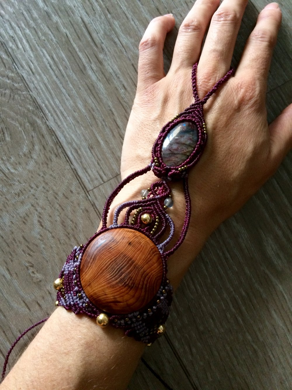 Bracelet bijou de main micromacrame