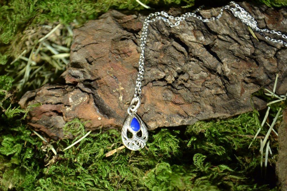 Pendentif goutte en argent avec pierre lapis lazuli