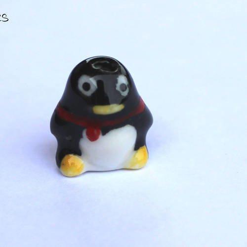 Perle porcelaine forme pingouin noir x1