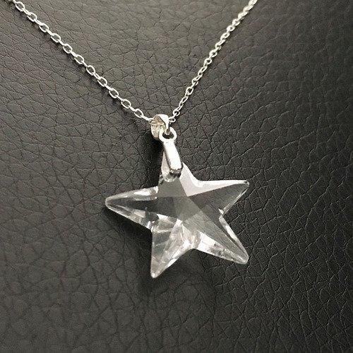 Collier pendentif étoile cristal swarovski sur fine chaine longueur 42 cm  en argent 925/000