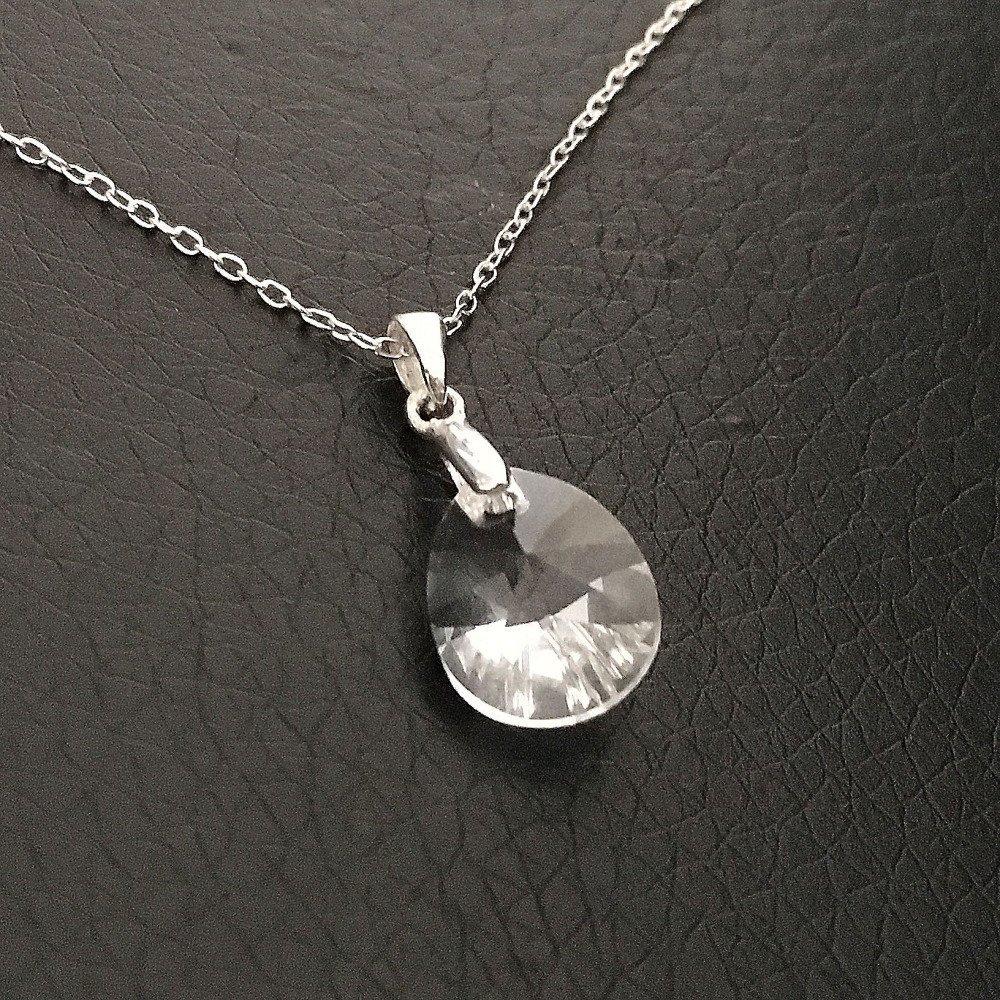 Collier pendentif goutte cristal swarovski sur fine chaine longueur 42 cm  en argent 925/000