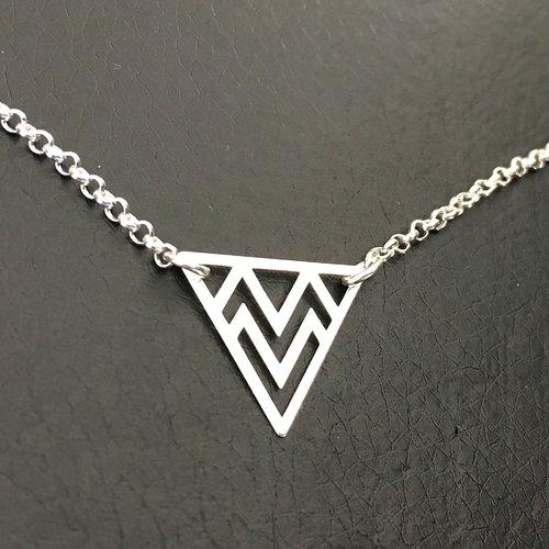 Collier pendentif triangle ethnique en argent massif 925/000