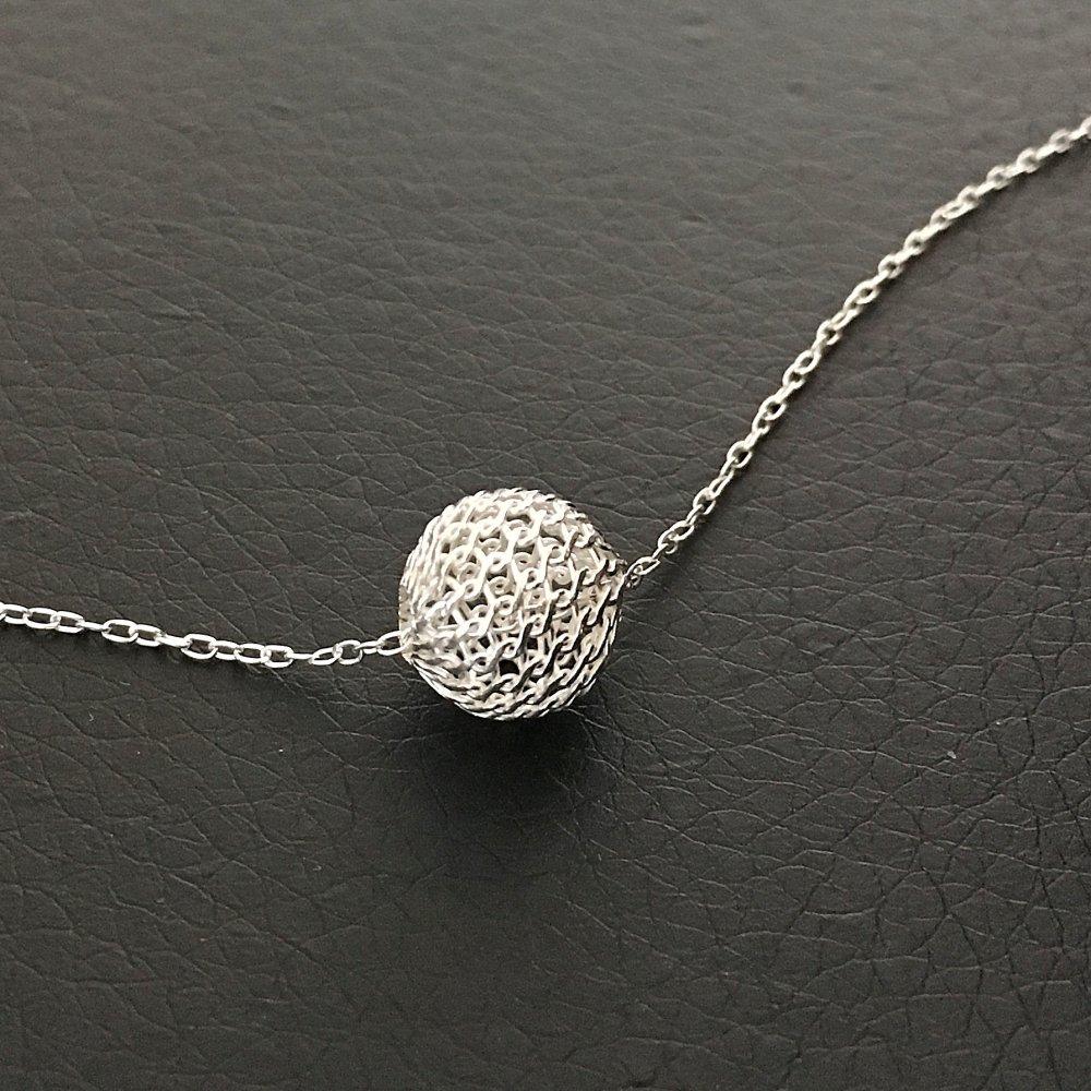 collier argent pendentif boule