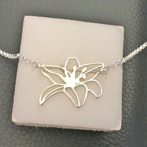 Collier pendentif fleur en argent massif 925/000