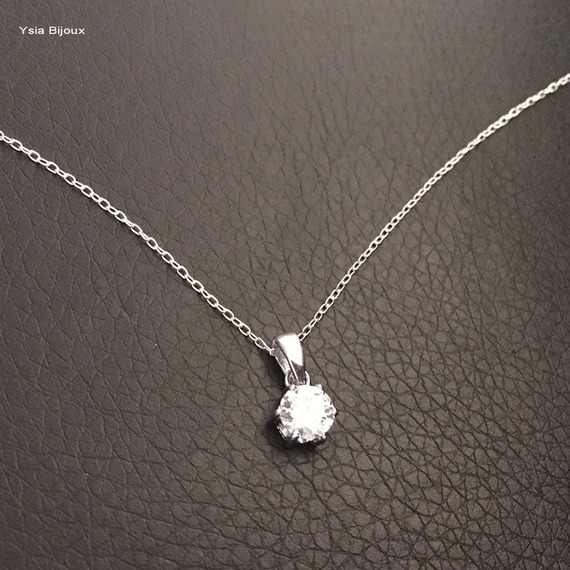 Collier pendentif solitaire zirconium rond griffé sur fine chaine longueur 42 cm argent 925