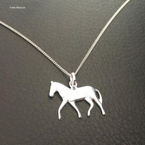 Collier pendentif cheval en argent massif 925/000 sur fine chaine maille gourmette longueur 42 cm en argent 925/000