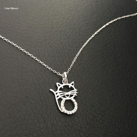 Beau collier pendentif chat en argent 925 et zirconium sur chaine argent 925 longueur 42 cm