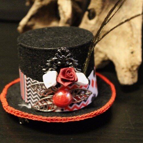 Bibi, chapeau haut de forme style victorien, vintage, steampunk, avec cabochon rouge, fleures et feuilles