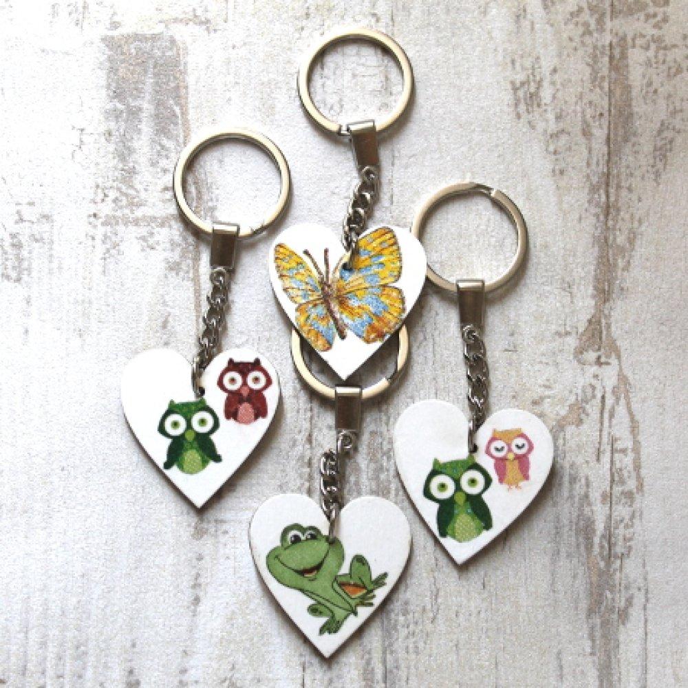 "porte clefs  "" Coeur "" en bois"