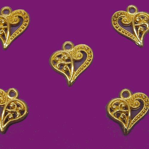Lot  5 charms metals dores :  coeur rétro 14*14mm