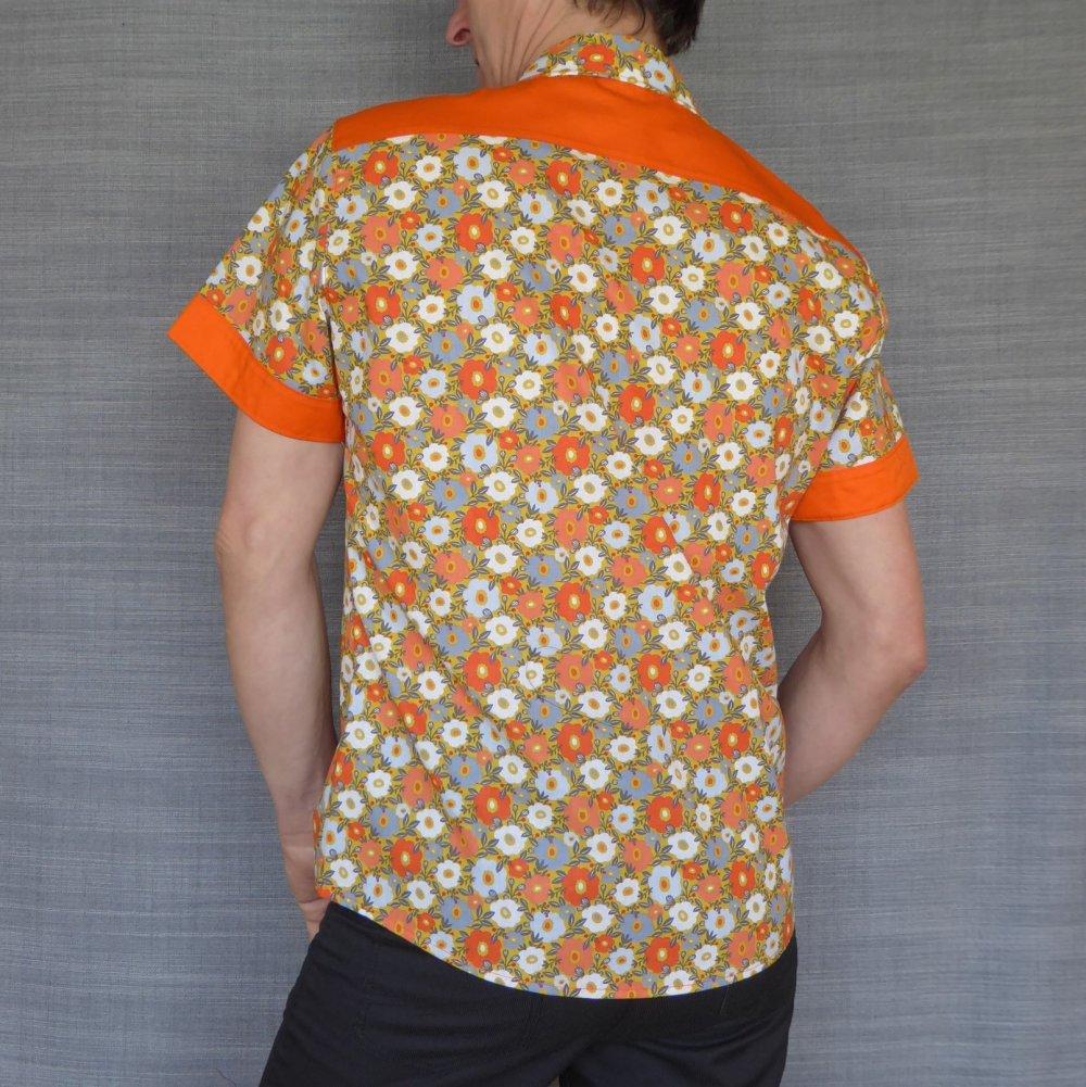 Chemise homme flores. Manches courtes 100% coton.