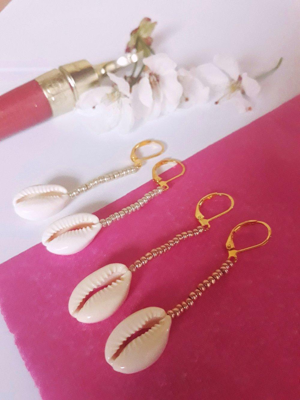 Boucles d'oreilles pendantes coquillage doré