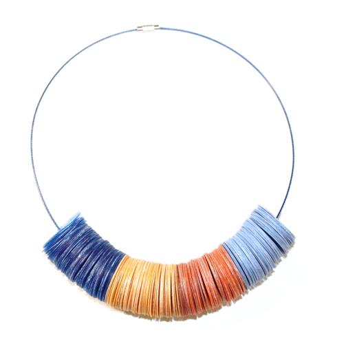 Collier plastique recyclé bleu/orange - bijoux recyclés