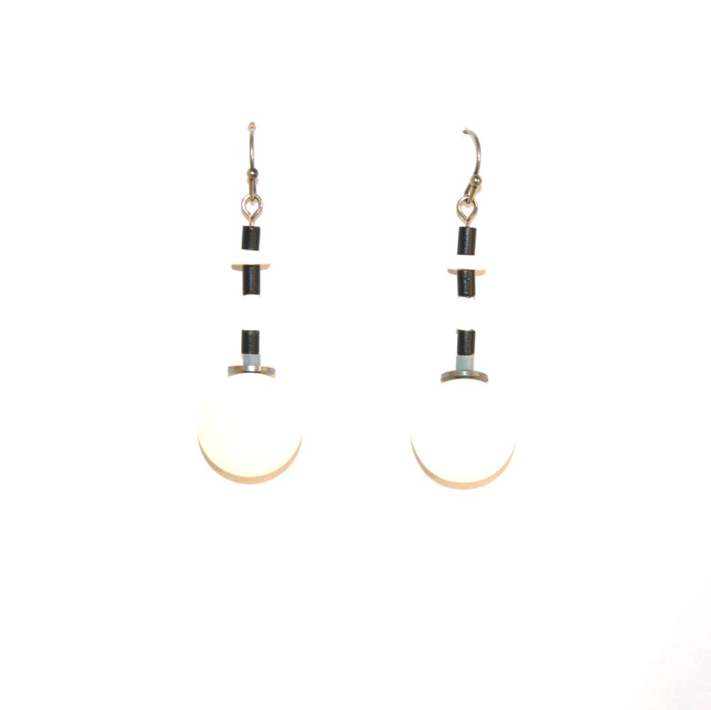 Boucles d'oreilles boutons recyclés BLANC/NOIR - Bijoux recyclés