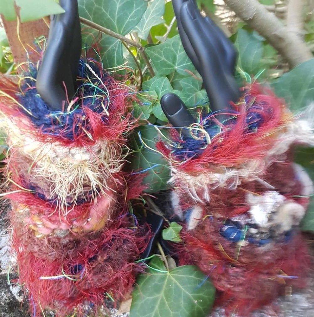 Paire de mitaines en tricot, laine filée main, laine douce, mohair, mérinos, soie, rouge.