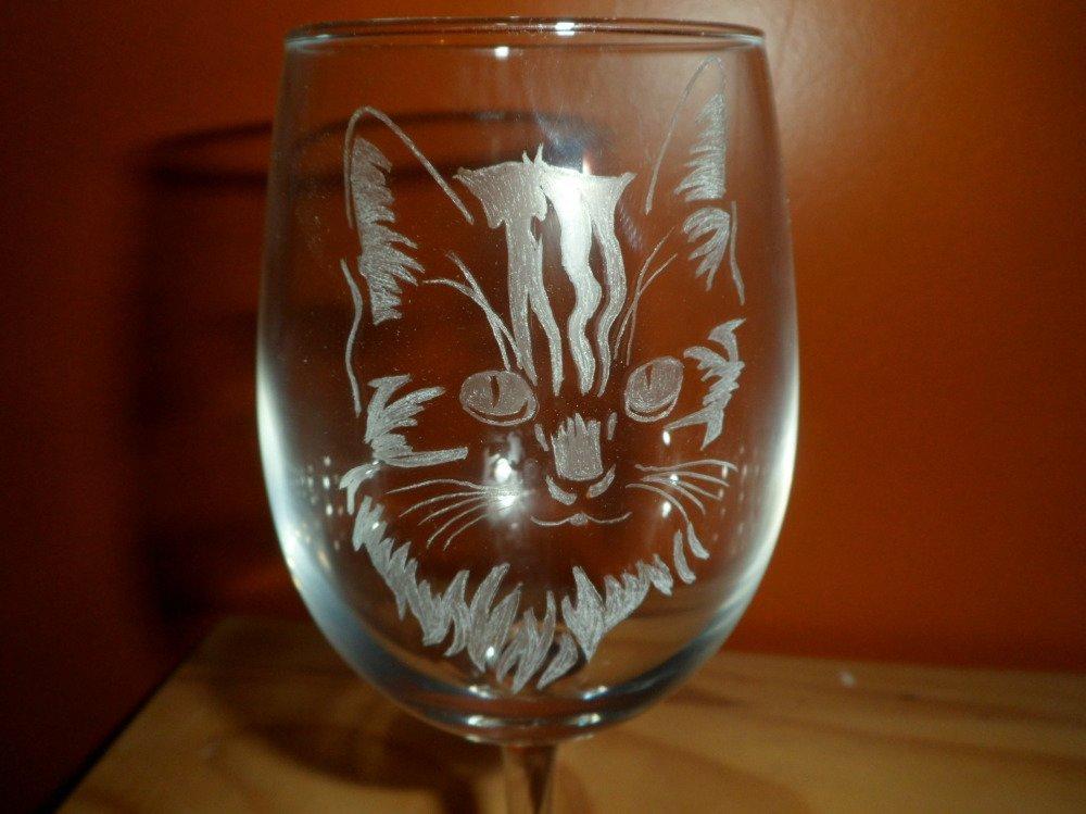 Verres à vin sur pied en gravure sur verre motif chats personnalisables