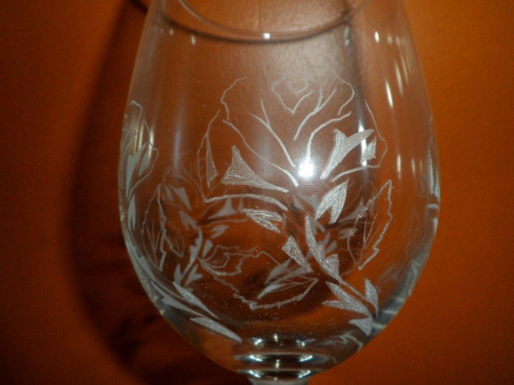 Verres en gravure sur verre motif roses personnalisables