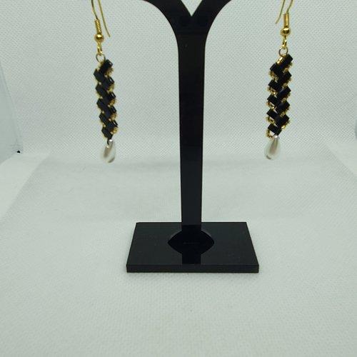 Boucles d'oreilles chevron noires et dorées en perles de veree (z20138)