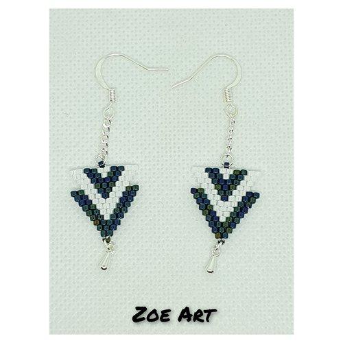 """Boucles d'oreilles """"evy"""" bleues métalliques et blanches en perles de verre (z21029)"""